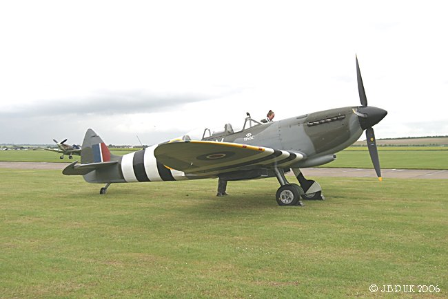 7313_duxford_spitfire_ml407_may_2006