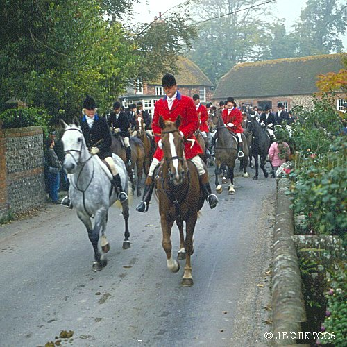 uk_england_erridgehuntmaster2_firle_2000_0094
