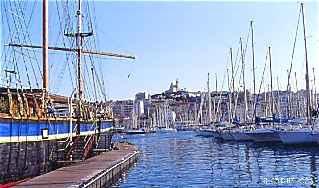 france_marseille_harbour_ships_03_0199_2003