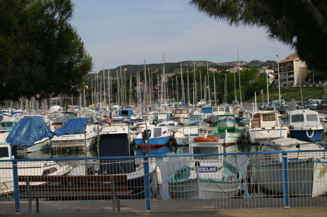 0907_france_provence_marigues_harbour_digit_d1_2004