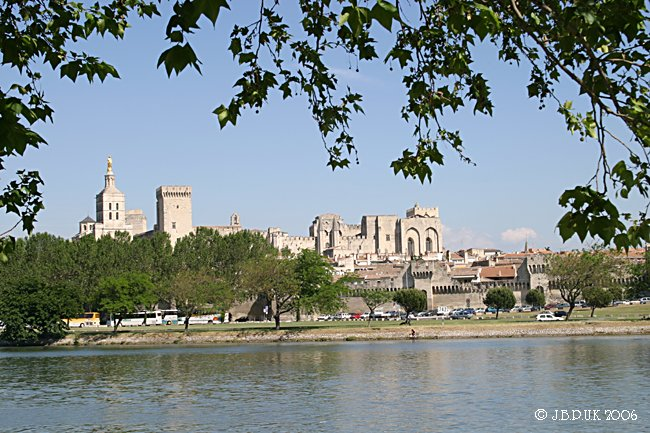 1122_france_avignon_palace_digit_d4_2004