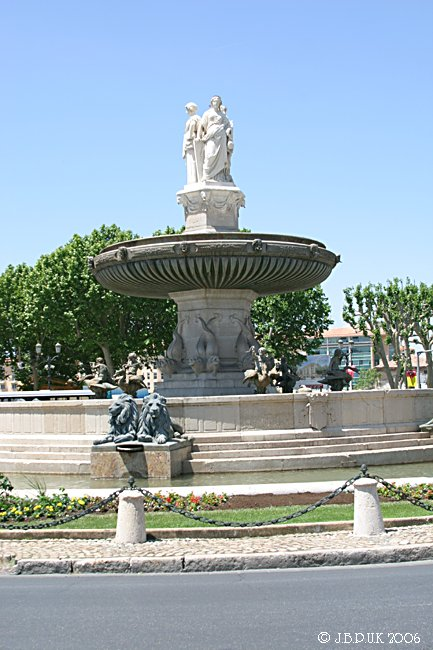 1238_france_provence_aix_fountain_d7_2004